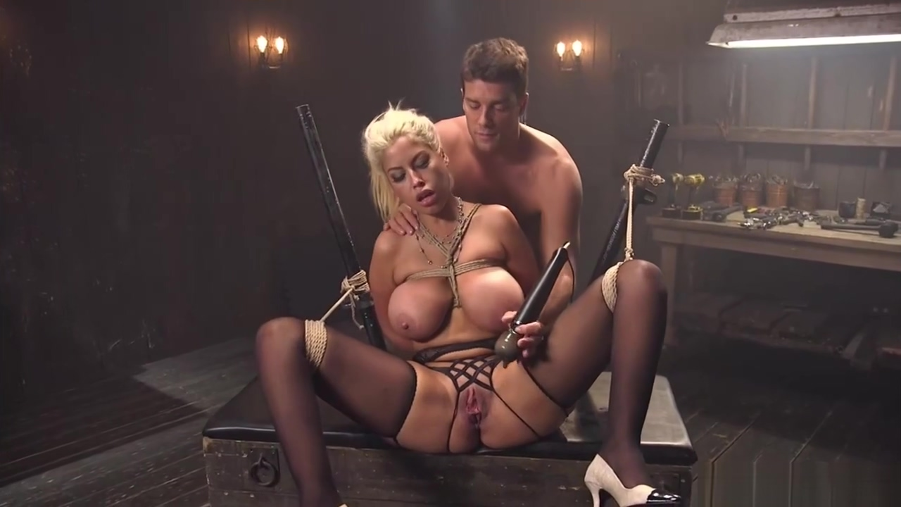 Bf anal bdsm fucks huge tits girlfriend