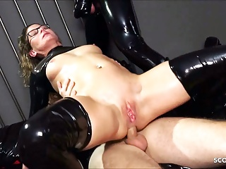 Real German teacher Izzy Mendosa loves an anal BDSM latex threesome