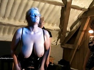 Dominatrix lets her old lesbian slave pay