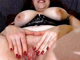 horny married bitch pisses ehestute