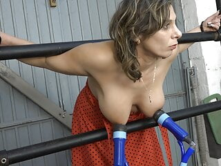 Farah milked and fucked in the garage
