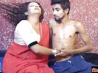 Indian Sexy Bhabhi Has Sex With Playboy