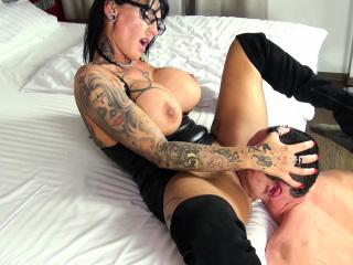german femdom  domina milf get real orgasm from slave
