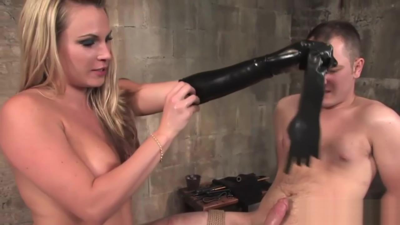 Busty babe enjoys bondage with a dude